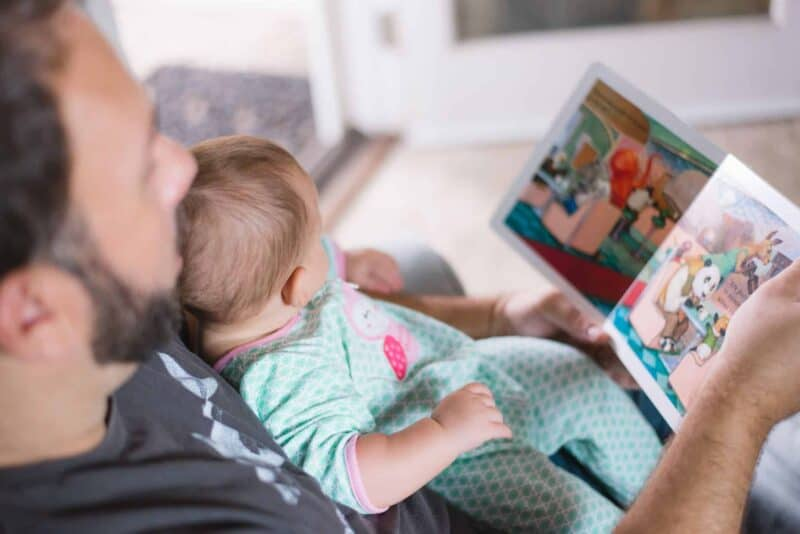 HOW TO BOND WITH YOUR NEWBORN BABY- A DADS PERSPECTIVE